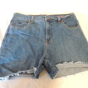 Gloria Vanderbilt high rise cut off jean shorts 10